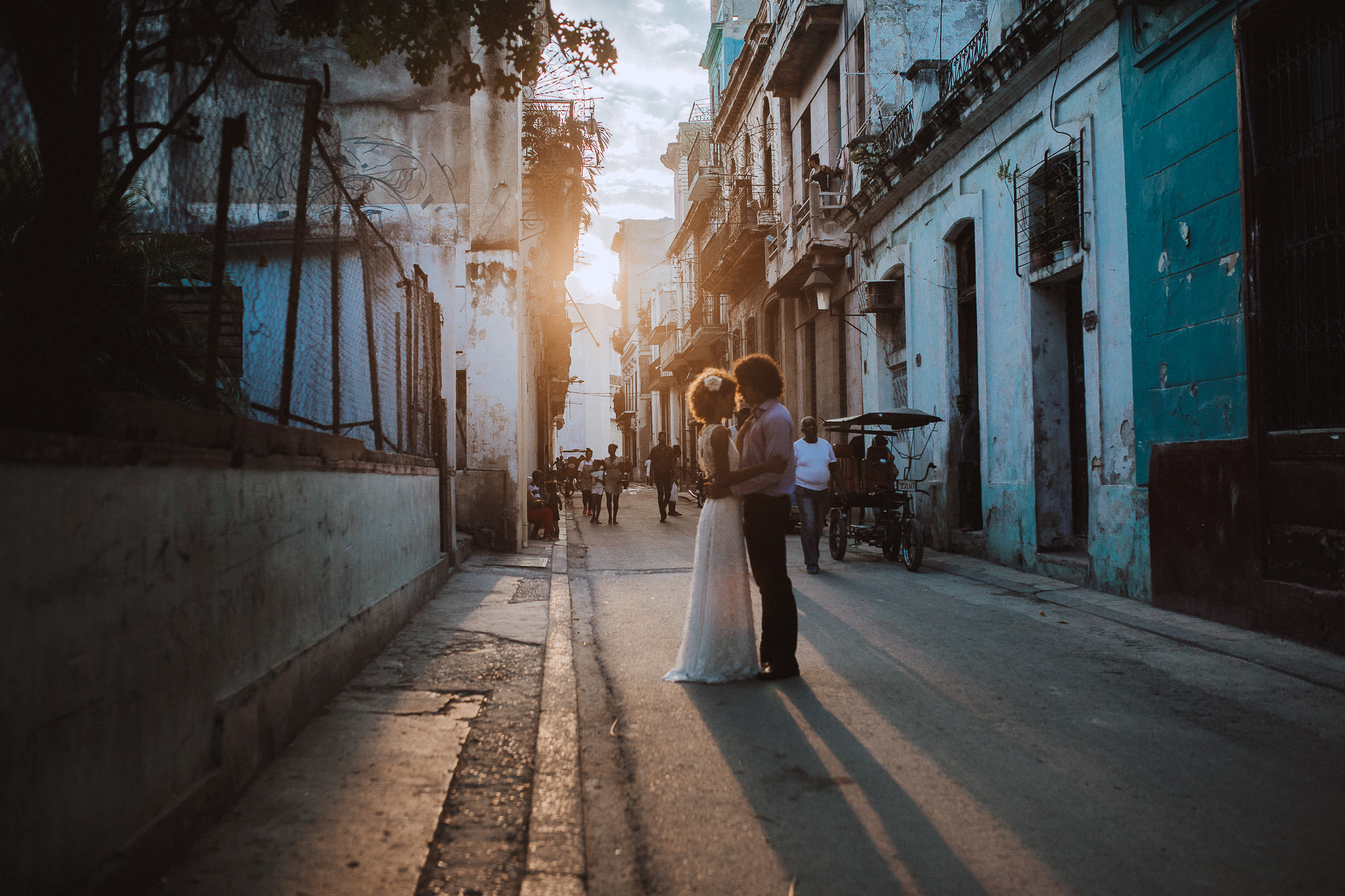 Cuban love in Havana sunset